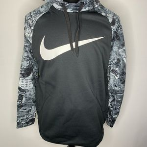 Nike Men's Therma Rip and Tear Graphic Pullover